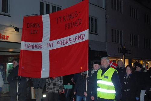 esbjerg muslim Esbjerg, 05:16 am, 06:59 am, 01:21 pm, 04:43 pm, 07:41 pm, 09:26 pm, 02:03  am aarhus amt, 05:07 am, 06:52 am, 01:15 pm, 04:36 pm, 07:35 pm, 09:22 pm .